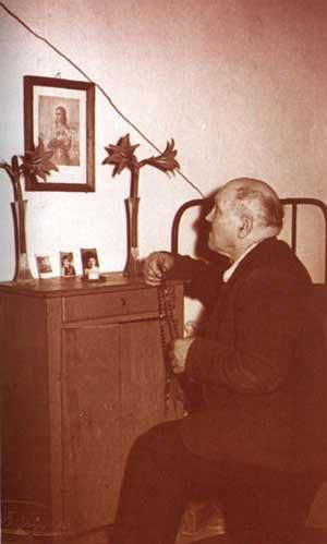 Alessandr venerating Maria Goretti